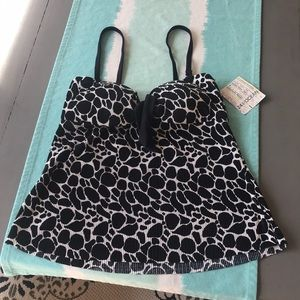 24th & Ocean by VM Black & White tankini top NWT